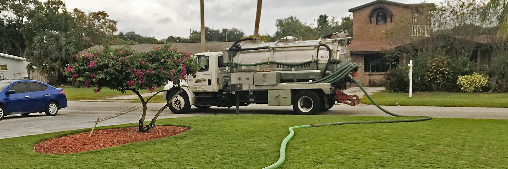septic-pump-out-truck